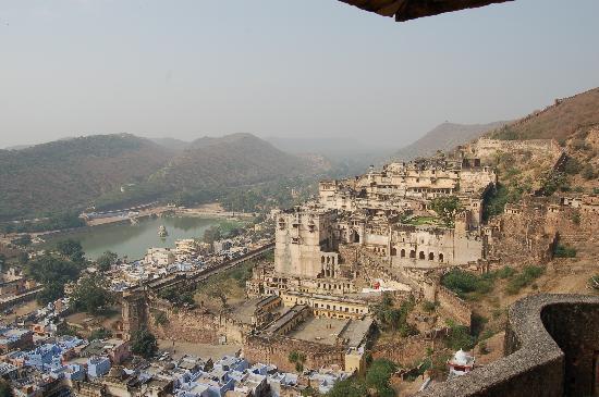 Bundi, India: vista del palacio desde el fuerte