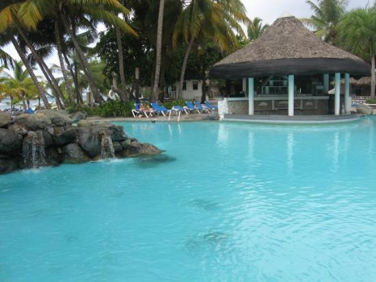 Coral Costa Caribe All Inclusive, Juan Dolio: Swim up bar