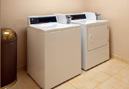 Quality Inn Brunswick Cleveland South: On-Site Coin Laundry