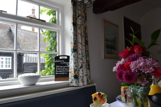Wisteria Cottage B&B : View towards cottages from Breakfast room
