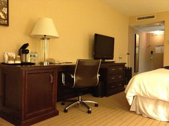 Sheraton Charlotte Airport Hotel: Room 2