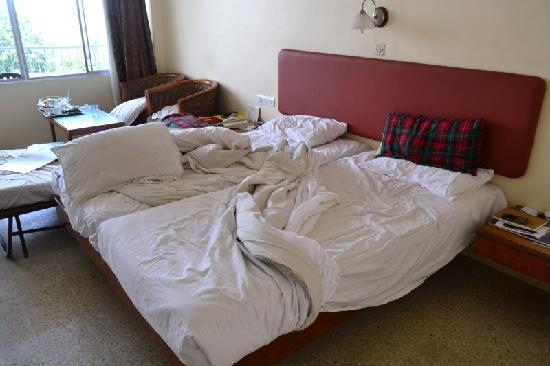 Woodlands Hotel: bed