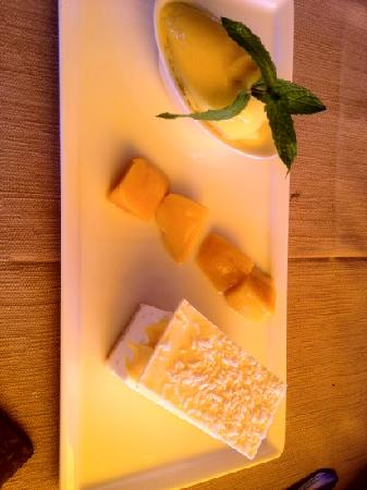 """Cafe de Certoux: Le dessert: """"le fruit de la passion"""""""