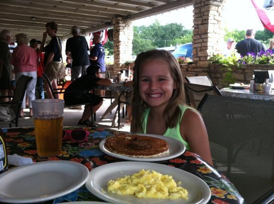 Wimberley Cafe: enjoying homemade blueberry pancakes on the patio.