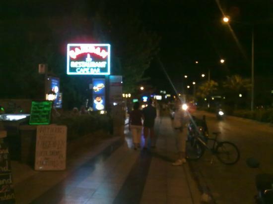 Samdan Restaurant : main rd opps sunrise hotel