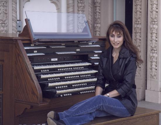 Spreckels Organ Pavilion: San Diego Civic organist Carol Williams