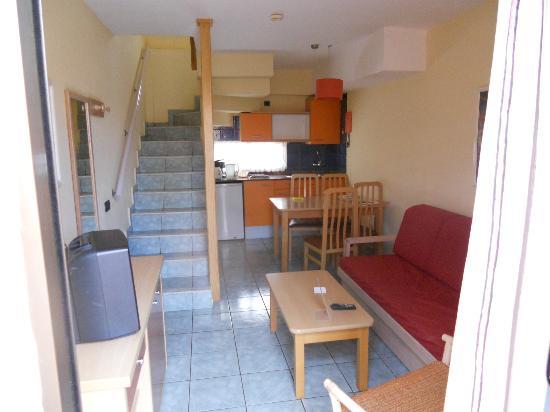 Jardin del Sol Apartments: living area