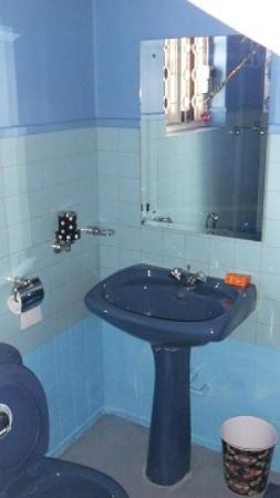 Crest Nest : Bathroom