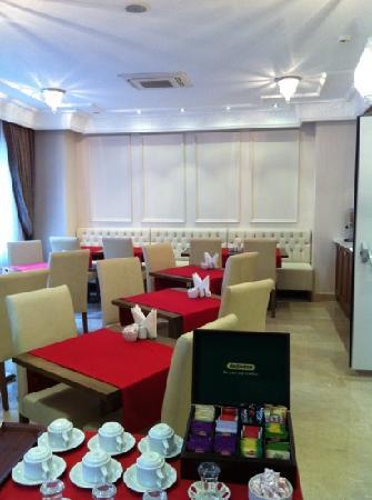 Aren Suites: comedor