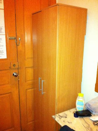 Residencial Roxi: armoire