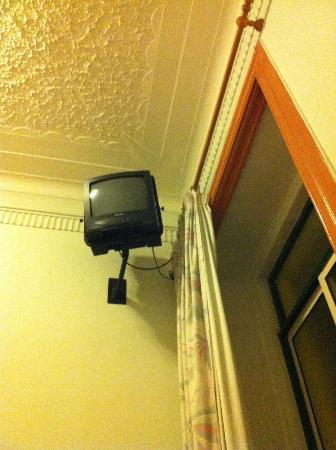 Residencial Roxi: télé => canal 28 pour la Fox