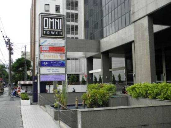 Omni Tower Sukhumvit Nana by Compass Hospitality: Außenansicht