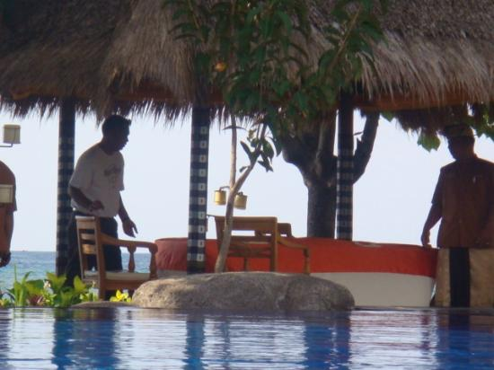 Amertha Bali Villas: DiningTables at beach