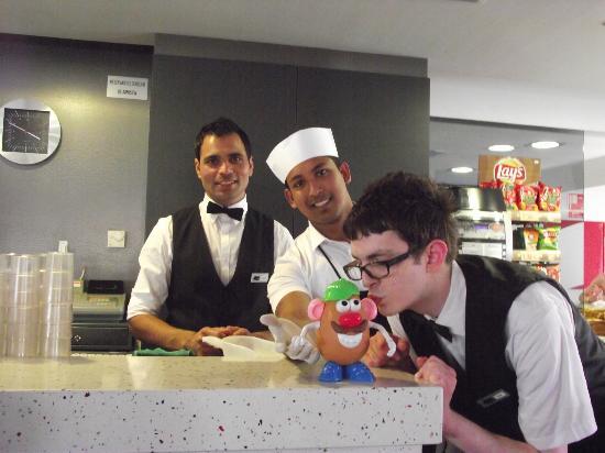 Tossa Center Hotel: L - R.... Bunny, Foysal, Viktor ..with bob potatohead