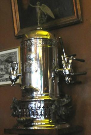 Caffe Reggio: Original coffee machine