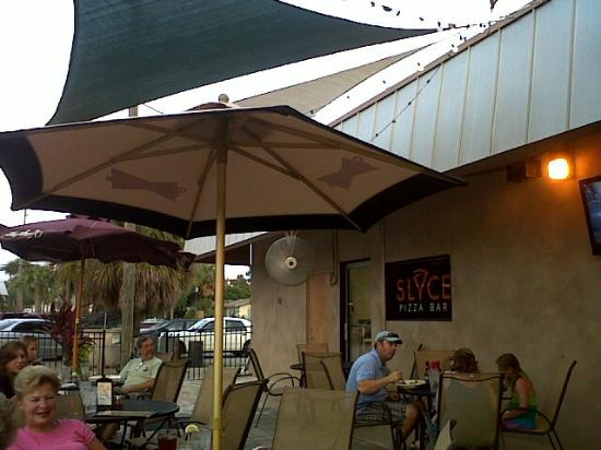 Slyce: Outside dining area