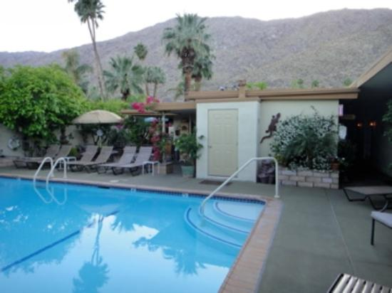 Old Ranch Inn: Great pool and lounging area