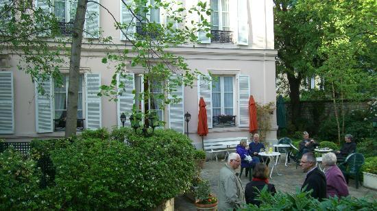 Hotel des Grandes Ecoles: hotel garden - sitting