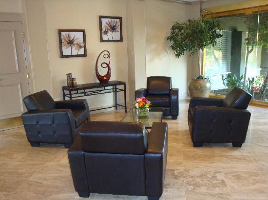 Palm Garden Hotel: New Lobby!