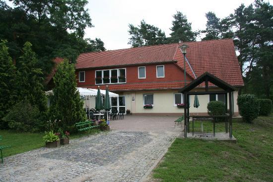 """Aken, Alemania: Touristenstation Ferchland """"Haus Kiefernblick"""""""