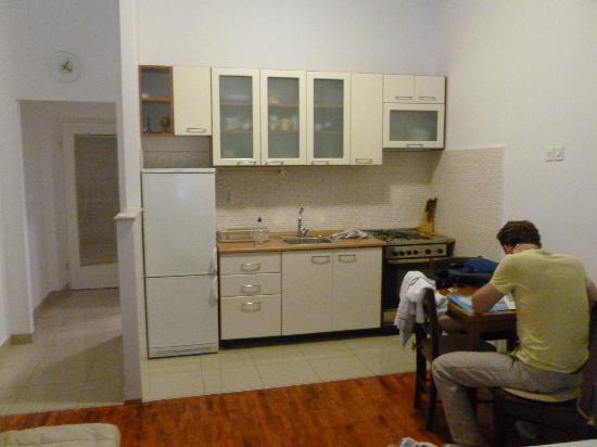 Rooms & Apartments Matkovic: Fully stocked kitchenette and dining table.