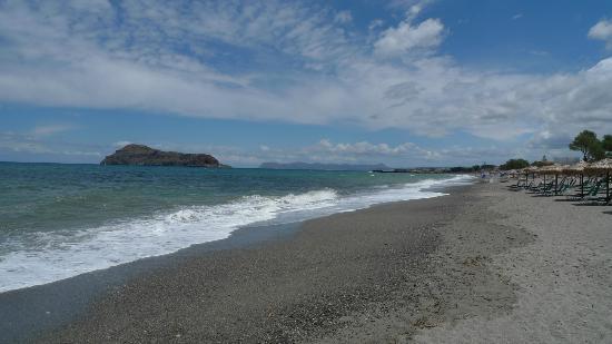 Geraniotis Beach Hotel: Stranden i retning Chania