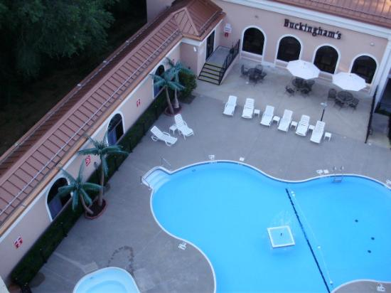 The Branson Clarion Hotel & Conference Center: Outdoor pool from my balcony