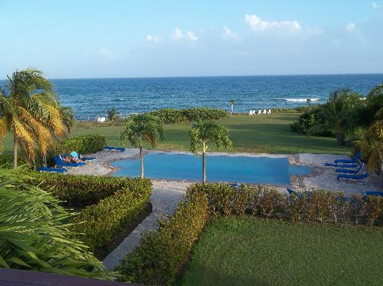 Blue Horizon Boutique Resort : view from roof