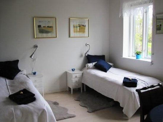 B&B Naturly: Double room with separate beds