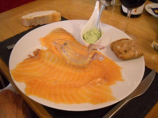 Le Cremet d'Anjou : Smoked salmon starter