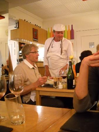 Le Cremet d'Anjou : The chef greeting customers