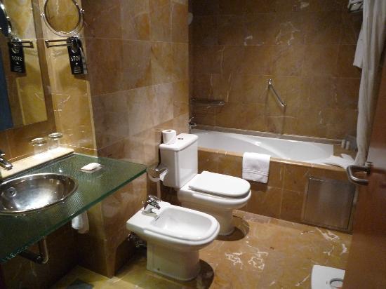Hotel Montecarlo Barcelona: bathroom Hotel Montecarlo