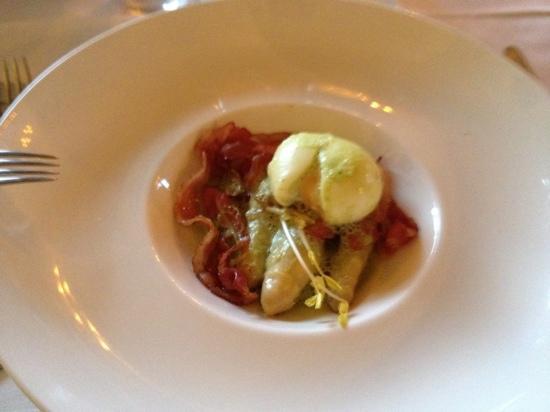 Molleges, Francia: asperge grillée au lard