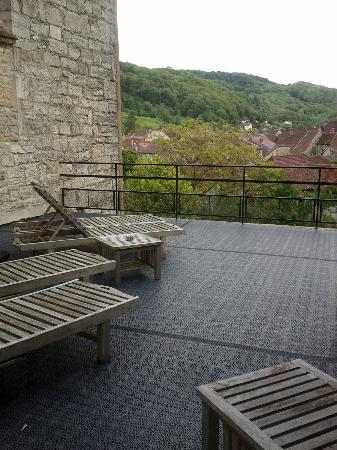 Closerie Les Capucines : Terrasse à l'étage