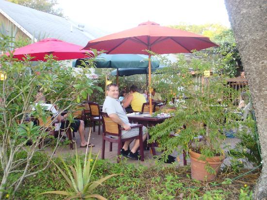 Peg's Cantina: beautiful patio