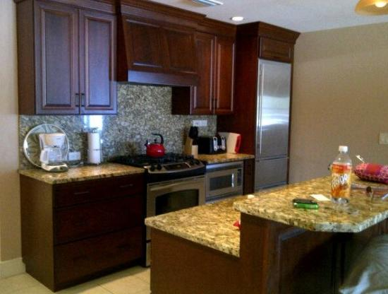 Peninsula Bay Resort Condominiums: Kitchen