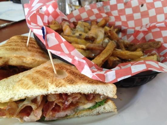 Spoons Diner: blt with poutine
