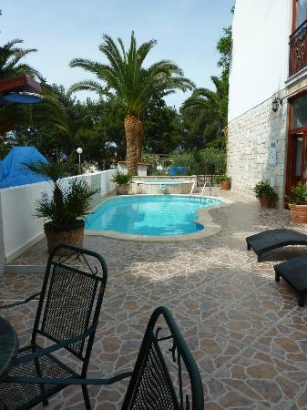 Hotel Villa Adriatica: Pool and jacuzzi at hotel