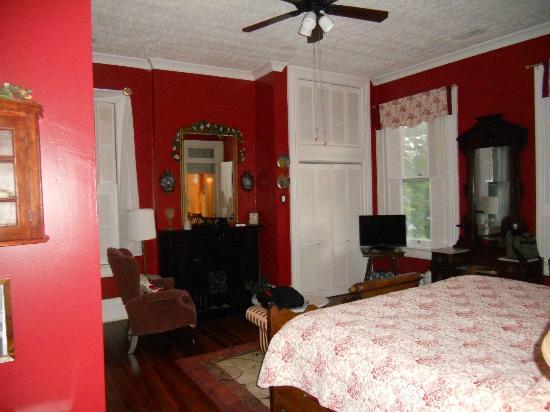 Victorian House Bed and Breakfast: Melanie bedroom