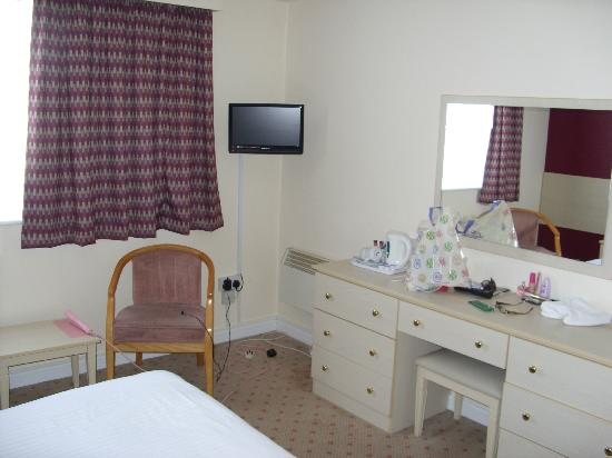 The Norfolk Hotel: Our Room