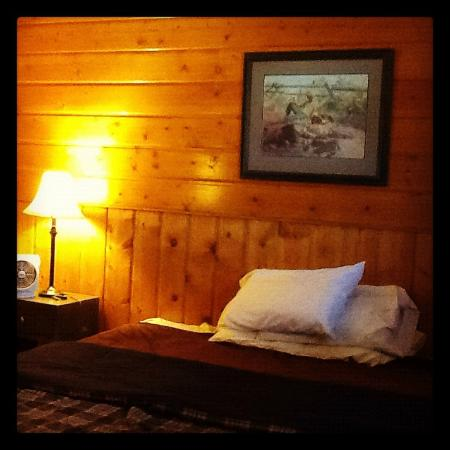 Holiday Motel : Newly remodeled rooms