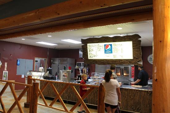 Grand Lodge Waterpark Resort : Dining Area near waterpark