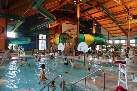 Grand Lodge Waterpark Resort : indoor waterpark