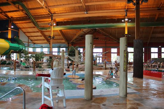 Grand Lodge Waterpark Resort: Waterpark View