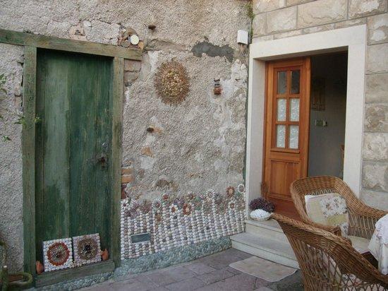 Villa Andro: Tanja's artwork