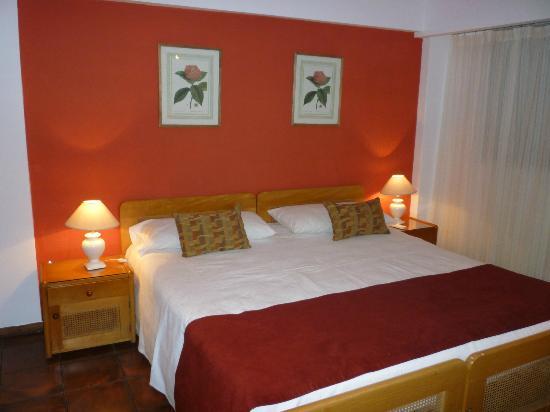 Baie des Anges Apart Hotel: Habitación matrimonial