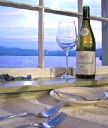 Twine Loft: Ocean Front Dining