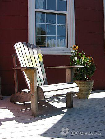 Gagnon House: Relax on the front deck