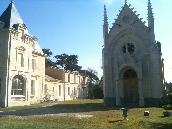 Chambres d'hotes du Chateau de Leognan : Château et chapelle