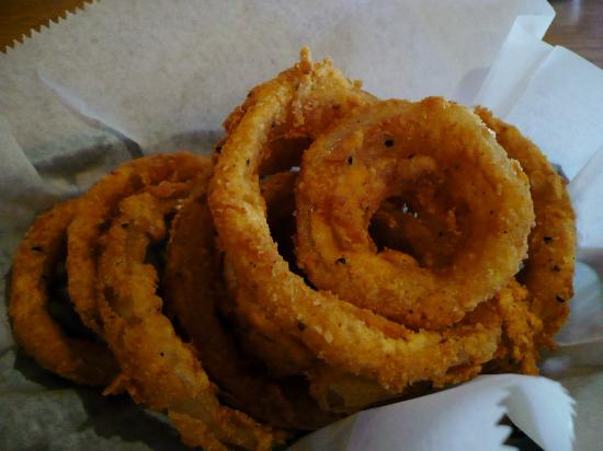 Montana Mike's Steakhouse: Onion Rings